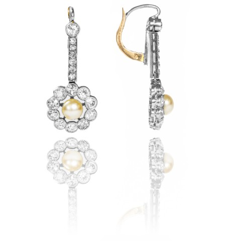Kolczyki z diamentami i perłami wykonane z platyny oraz złota