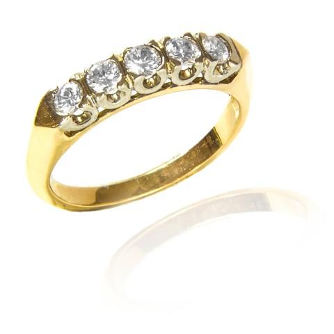 282. Pierścionek z brylantami wykonany ze złota