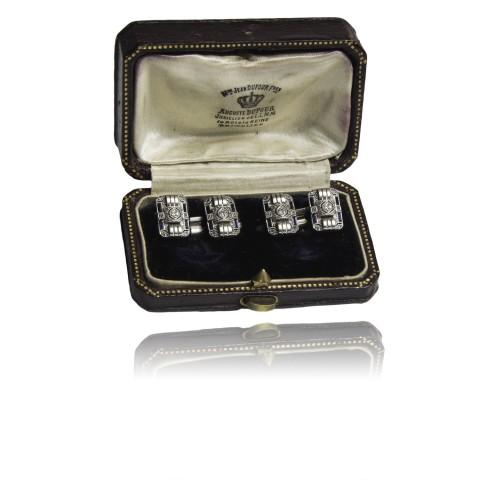 200B. Złote spinki z brylantami i niebieskimi szafirami