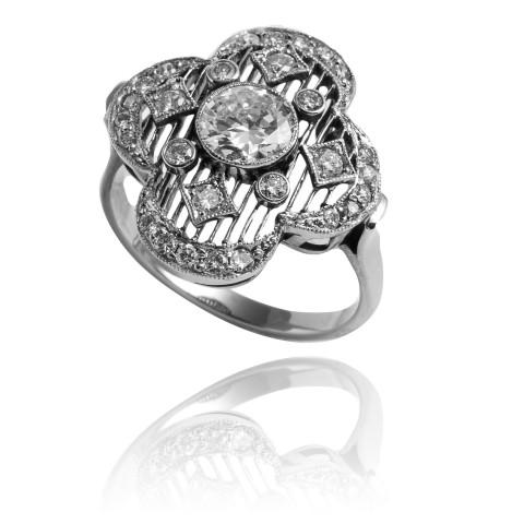 Platynowy pierścionek z brylantem ~ 0.58ct