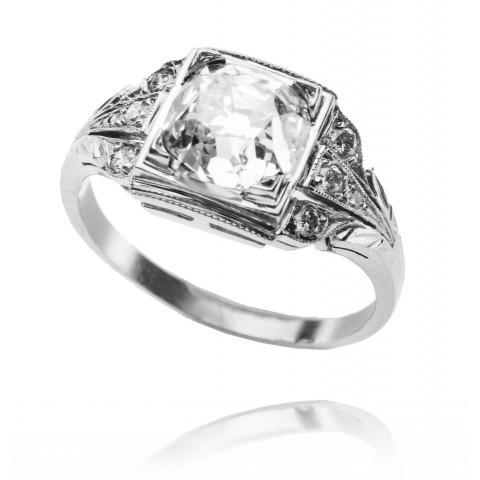 533. Pierścionek z diamentem 1,95ct wykonany w złocie 0.585