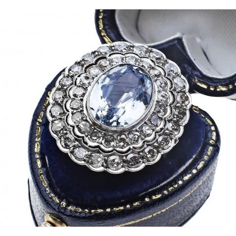 Pierścionek z diamentami wykonany ze złota 0.750 i platyny