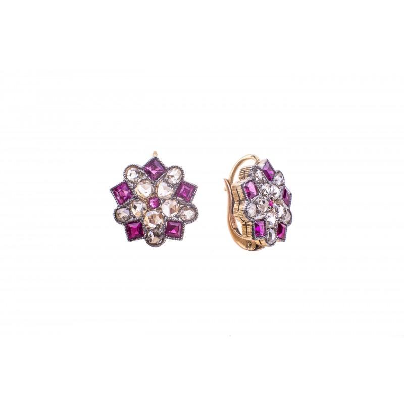 513. Kolczyki z diamentami wykonane w złocie pr. 0.750 oraz platynie