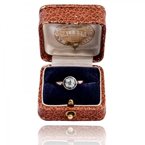Dawny pierścionek z diamentem ~ 0.70ct