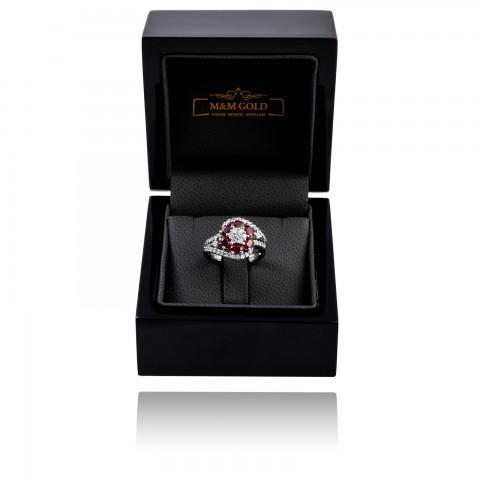 Designerski pierścionek z rubinami oraz brylantami