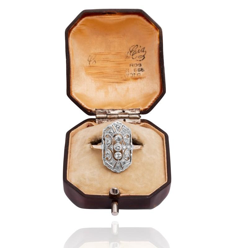 243. Dawny pierścionek z diamentami