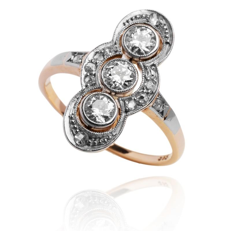 244. Dawny pierścionek z diamentami