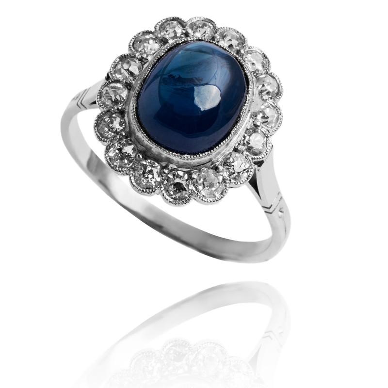Platynowy pierścionek z niebieskim szafirem 3,69ct i diamentami ok 1940r.