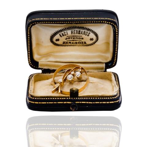 Dawna broszka z diamentami wykonana ze złota