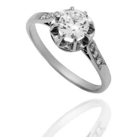 Dawny platynowy pierścionek z diamentami ~0.70ct , Francja, lata 30. XX w.