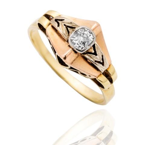 Dawny pierścionek z diamentem ~0.27ct wykonany ze złota