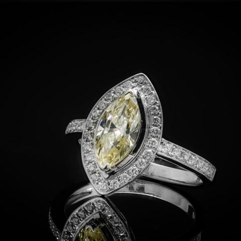 Pierścionek z diamentem (markizą) ~1.35ct