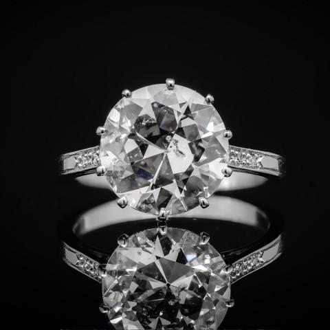 Platynowy pierścionek z brylantem ok. 5.02ct