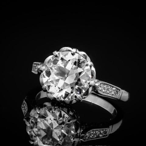 Platynowy pierścionek z brylantem ok. 3.45ct