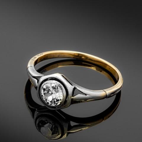 Dawny pierścionek z diamentem ok. 0.40ct