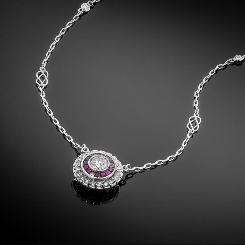 Platynowy naszyjnik z diamentami i rubinami