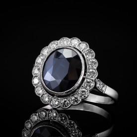 Platynowy pierścionek z szafirem 3.72ct oraz brylantami