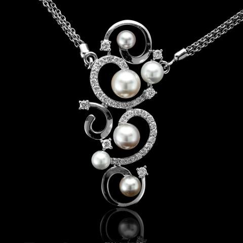 Naszyjnik z perłami oraz brylantami wykonany ze złota
