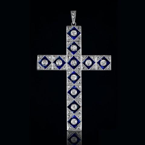 Dawny krzyżyk (wisior) z diamentami i szafirami