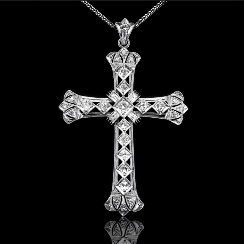 Dawny wisior (krzyż) z diamentami o masie ok. 0.85ct