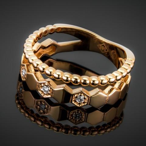 Obrączka z brylantami wykonana ze złota