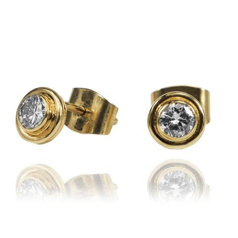 Kolczyki z brylantami wykonane ze złota